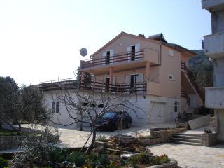 Sea front apartment Tramonto - Kali vacation rentals