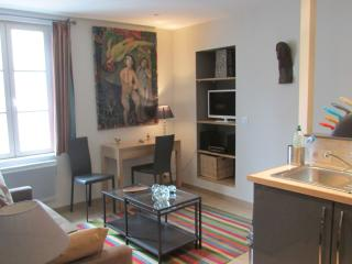 B017: Stylish  apartment in Dinan centre - Combourg vacation rentals
