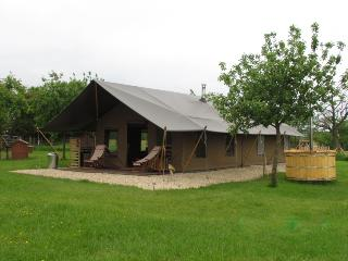 Luxury Camping at Woodhouse Farm (Hedgerow) - Bewdley vacation rentals