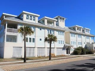 Captain`s Watch - Unit 16 - One Block from the Beach - Close to Shops - Swimming Pool - FREE Wi-Fi - Tybee Island vacation rentals
