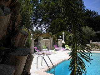 Villa La Tacodière - Eyguieres vacation rentals