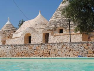 Trulli e Grotte Esclusive Hous - Castellana Grotte vacation rentals