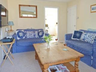 THE SAND DUNES, close to beach, off road parking, pebble garden, in Camber, Ref 914281 - Camber vacation rentals