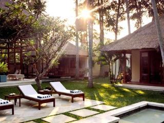 Villa Serasi, 3 bedroom luxury villa by the ocean - Pererenan vacation rentals