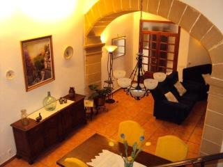 Lovely house in  town center - Pollenca vacation rentals