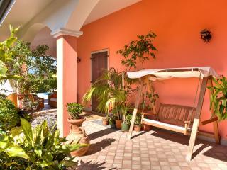 B&B Villa Gloriana ( Camera Matrimoniale ) - Castelnuovo del Garda vacation rentals