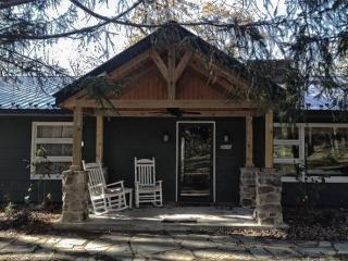 Cozy Mountain home near Greenbriar and Homestead - Paint Bank vacation rentals