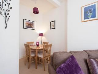 Holiday Apartment in Morningside, Edinburgh - Edinburgh vacation rentals
