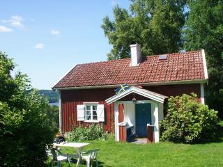 Mysigt torp vid skog och sjö - Ulricehamn vacation rentals