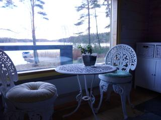 Small cottage by the Sea - Kirkkonummi vacation rentals