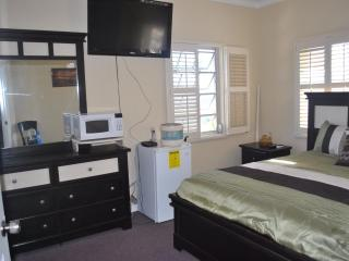 Triple M's Sunrise Suite- PERFECT LOCATION!! - Nassau vacation rentals