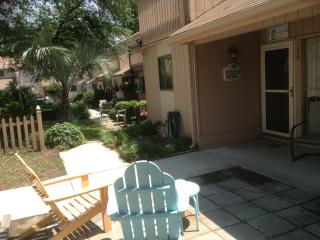 Excellent 3 Bedroom Townhouse with a Terrace and G - Myrtle Beach vacation rentals