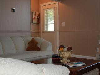 Charming Country Cottage - Union vacation rentals