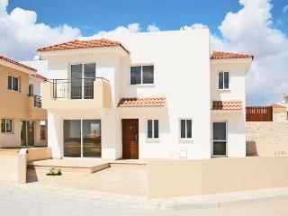 Luxury 3 bd Villa in Paralimni - Kapparis vacation rentals