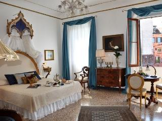 Live like Royalty: WIFI, AC, & Canal Views - Venice vacation rentals