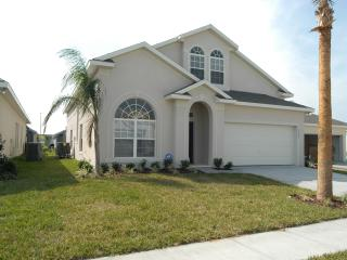 Luxurious 6 bed/ 4 bath Disney villa on Glenbrook, private pool & spa, Games Room, Free Wifi - Four Corners vacation rentals