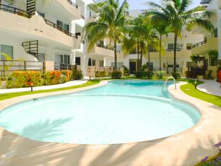 Walk to Beach & 5th, wi-fi, pool, great rates - Playa del Carmen vacation rentals