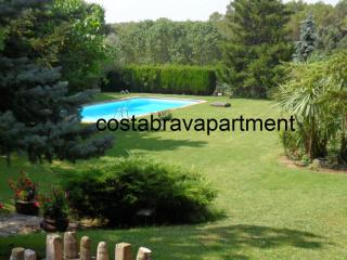 La Rectoria, private pool. Max 12 people. 12kms to Costa Brava Beaches - Llampaies vacation rentals