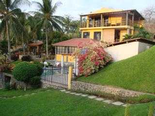Villa Surf = Best SURF & SUP of El Salvador! - El Amatillo vacation rentals