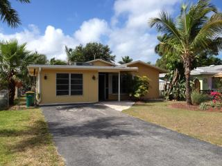Affordable Naples Rental - West of U.S. 41 - Naples vacation rentals