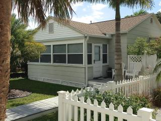 Perfect Location Cottage at Gulfport Beach - Gulfport vacation rentals