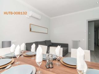Sagrada Familia - Rossellio (sleeps up to 9) - Barcelona vacation rentals