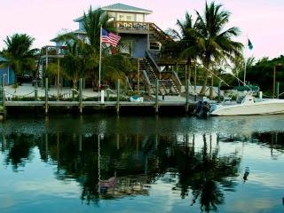 LUXURY EXECUTIVE ISLAND HOME W DOCK - Alice Town vacation rentals