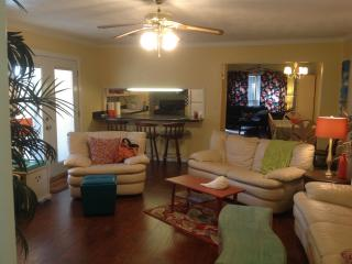 FULLY Furnished Home near the Bay - Mobile vacation rentals