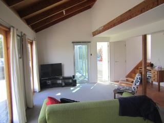 Self contained unit in Plimmerton, Wellington, NZ - Wellington vacation rentals