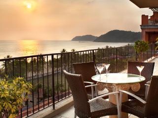 Luxury Ocean Front Condo-Jaco Beach.  Best Value - Ciudad Colon vacation rentals