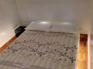 4-Bedroom Penthouse near Greenbelt, Makati (A6) - Makati vacation rentals