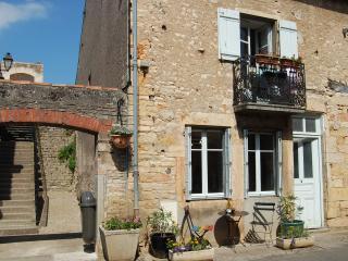 L'Escalier - Saint-Gengoux-le-National vacation rentals