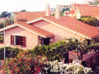 Beautiful house with garden - Oristano vacation rentals