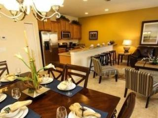 Fantastic 4 Bedroom 3 Bathroom Town Home with Private Pool. 3085BPR - Orlando vacation rentals