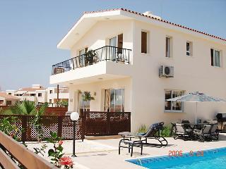 3 Bedroom Villa with Heated Pool, Chloraka,Paphos - Chlorakas vacation rentals