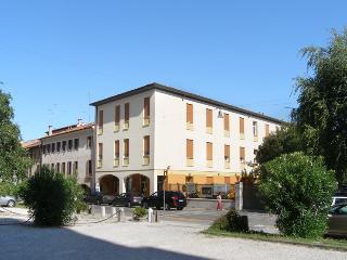 CENTRO DELLA FAMIGLIA - Treviso vacation rentals