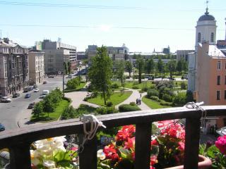 Comfortable 4 room apartment. - Saint Petersburg vacation rentals