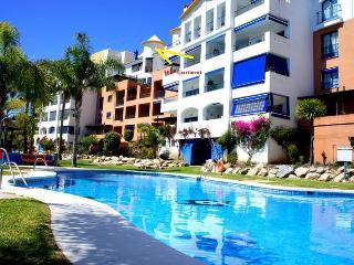 LUXURY APT. ON BEACH. GREAT POOL. WI FI. & AC - Almunecar vacation rentals