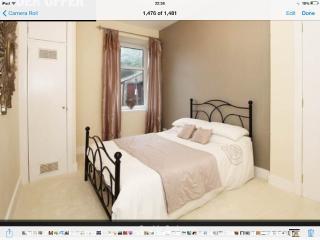 LUXURY ONE BEDROOM MODERN APT NEXT TO UNIVERSITY - Aberdeen vacation rentals