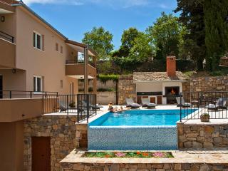 Villa with pool and whirpool near Split and Omiš - Omis vacation rentals