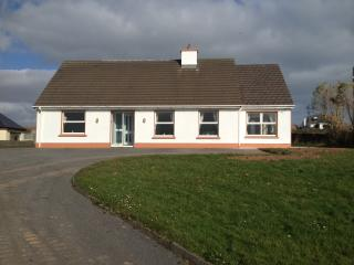 Dingle Holiday Rental - Racecourse House - Dingle vacation rentals