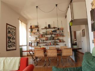 CR1070Rome - Trastevere, Via Portuense - Pomezia vacation rentals