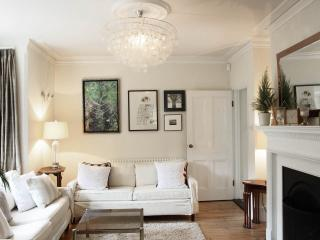 Gorgeous Victorian Detached, centre of Henley - Henley-on-Thames vacation rentals