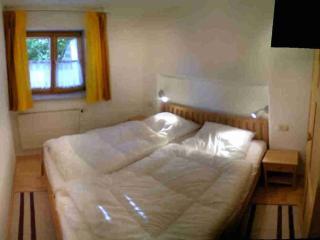 LLAG Luxury Vacation Apartment in Trostberg - 730 sqft, modern, stylish, high-quality (# 5275) - Bavaria vacation rentals