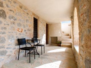 SOPHIA&DAPHNE - Aghios Nikolaos vacation rentals