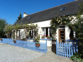 Penderff Holiday Cottage - Lignol vacation rentals