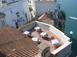 B&B IL BARONE - Suite La Rupe - Peschici vacation rentals