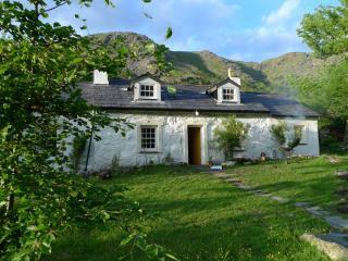 Superb Renovated Historic 3 Bed Cottage Llanberis - Nant Peris vacation rentals