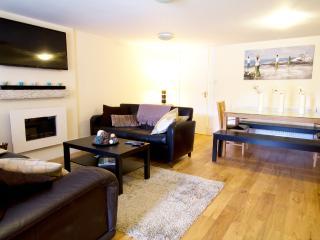 Central - New Town Apartment - Edinburgh vacation rentals