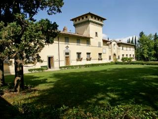 Tuscan hilltop farmhouse rental with shared pool, private garden and patio, sleeps 11 - Greve in Chianti vacation rentals